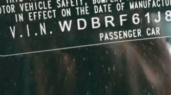 VIN WDBRF61J82F218962